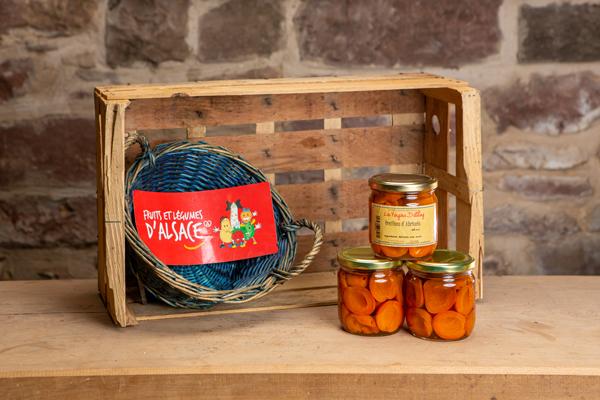 Des abricots au sirop en alsace à westhoffen chez Dettling