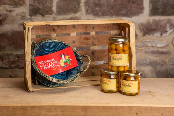bocaux de fruits aux sirops en Alsace
